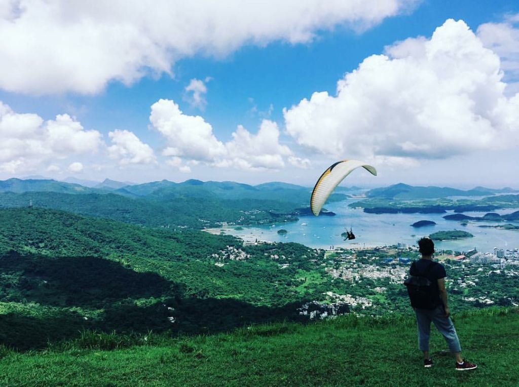 同学的滑翔照片w