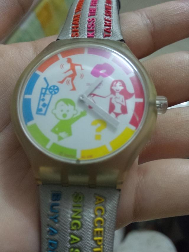 刚清东西时发现这个表还在走。。9年了诶!!你真的是电子表么?!?!