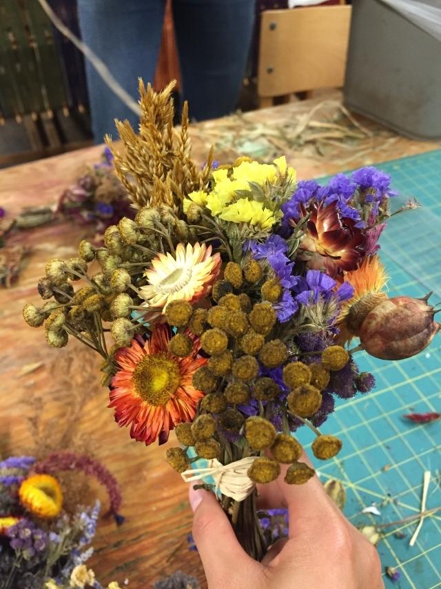 昨天帮丰收节准备干花束,嗯还是非常满意自己的审美的