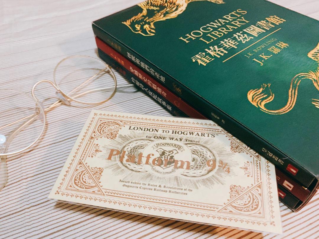 买之前已经看到其他买家提醒只是三本小书,但拿到手还是出乎意料的惊喜