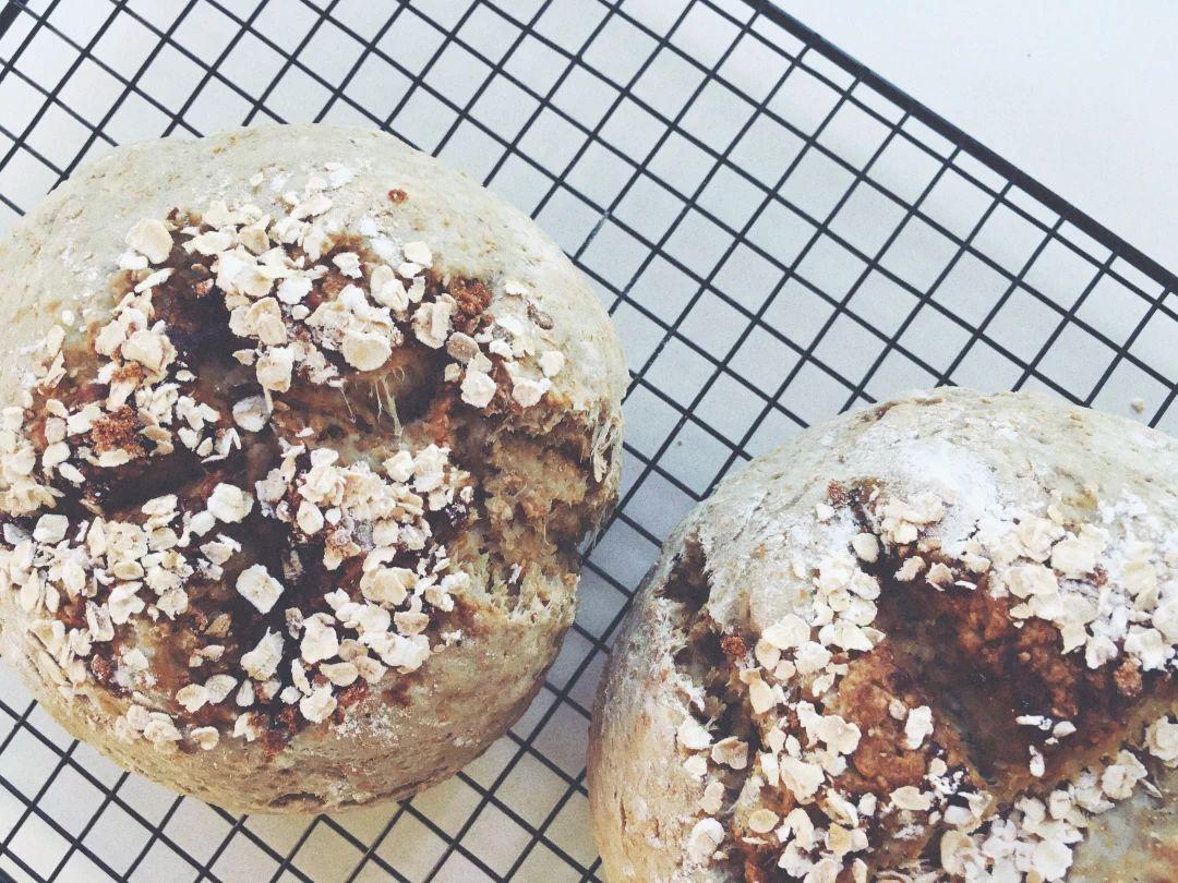 哈哈哈就在刚才,面包也烤好了~