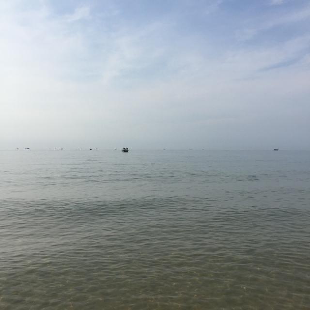 早上七点半爬起来去看海了,感觉最近心情平静了很多