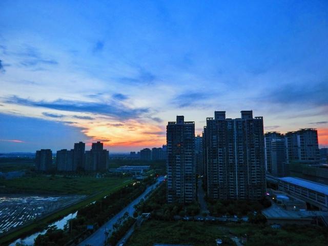 云朵的日与夜