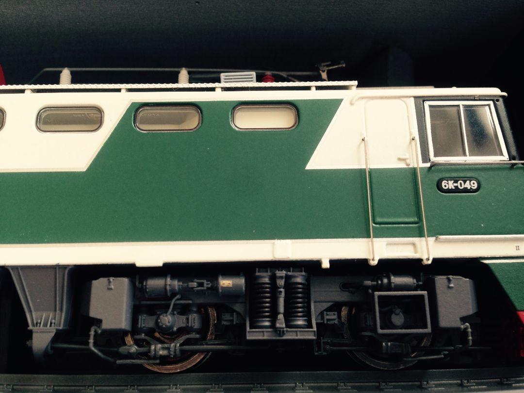 绿皮车,唯一一次坐这种火车(是不是绿皮就没什么印象了)是小时候和爸爸去无锡。当时我爸说去坐火车吧,因为只是为了体验火车,于是就就近去了无锡,吃了排骨又坐回家。