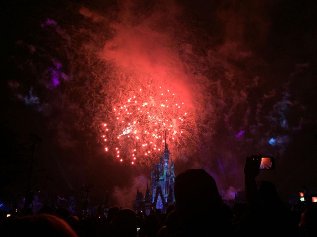 在迪士尼看了烟花