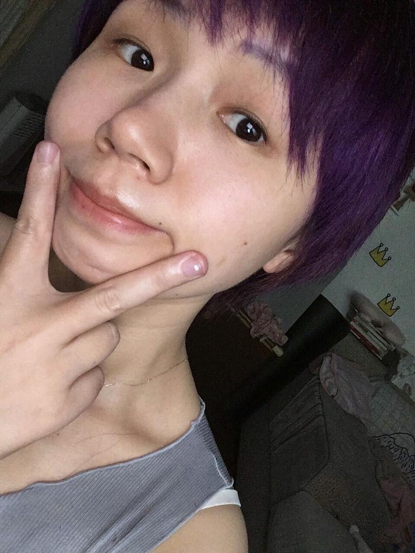以及紫色真的好嗲,咱们自己人我就不见外的放张素颜哈^з^